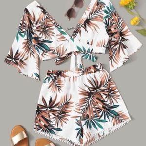 Tropical plunging crop top w pompon shorts M L XL